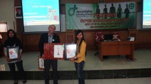 23 Hadiah Juara 1 Pelatihan SMK3 Mitra Dinamis Yang Utama
