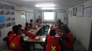 Presentasi dari Tim PT. Wijaya Karya di Site Office